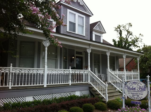 Pink Traveler Natchitoches Violet Hill B&B
